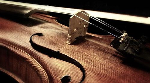 Entretien de violon, réparation de manche et ajustement de l'âme , changement de cordes