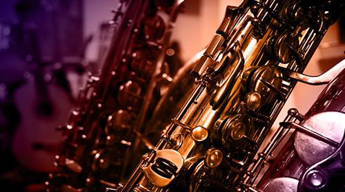 Entretien et ajustement de divers instruments à vent saxophone, clarinet, trompette, flute traversière.