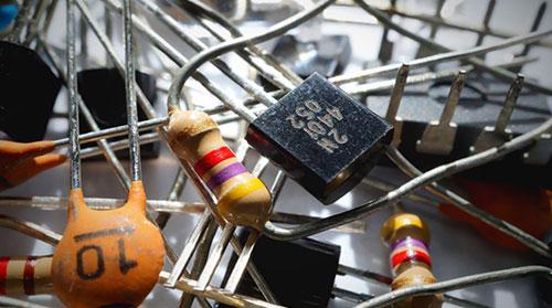 Piéces électronique pour réparation , service de réparation et entretien